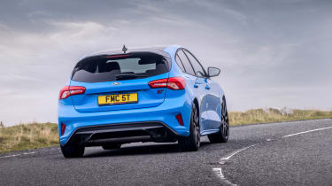 Ford Focus ST Edition – cornering
