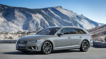 Audi A4 refresh 2018 - front quarter