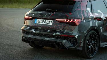 Audi RS3 mule 2020 SB – rear pipes
