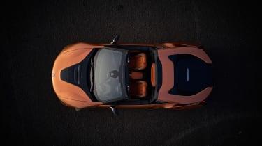 BMW i8 Roadster - top