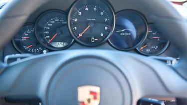 2012 Porsche 911 Carrera manual dials