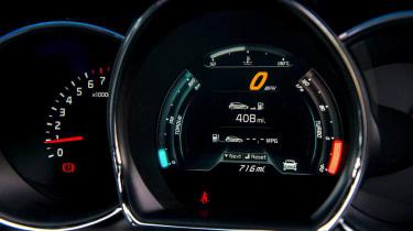 Kia Ceed GT TFT speedometer gauges