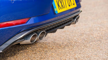 Volkswagen Golf R - exhaust