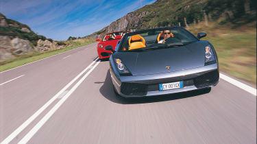 Lambo Spyder chased by Ferrari Spider