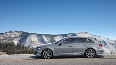 Audi A4 refresh 2018 - side