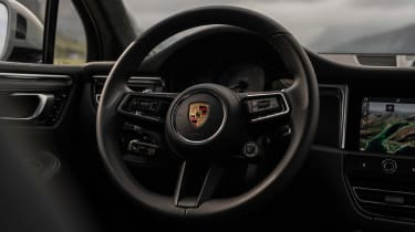 Porsche Macan GTS 2021 – steering wheel