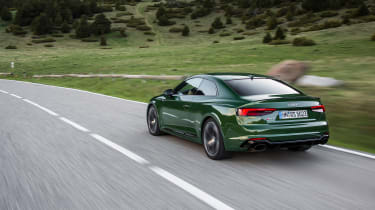 Audi RS5 - rear tracking