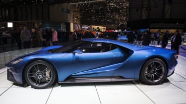 2016 Ford GT - side profile