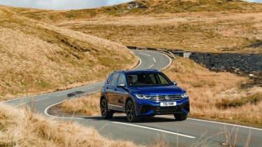 Volkswagen Tiguan R – front quarter cornering
