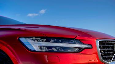 Volvo V60 R-design - headlight