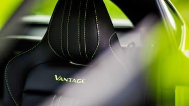 Aston Martin Vantage - green static seat