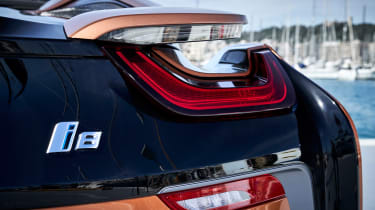 BMW i8 Roadster - rear lights
