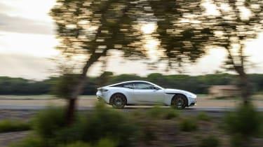 Aston Martin DB11 V8 - profile