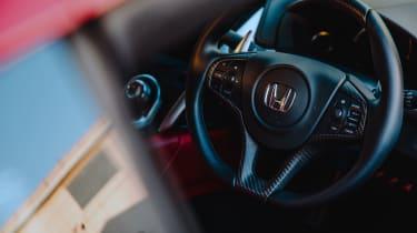 Honda NSX – steering-wheel