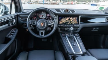 Porsche Macan S driven - Miami Blue dash