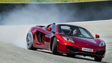 McLaren MP4-12C Spider volcano red drifting
