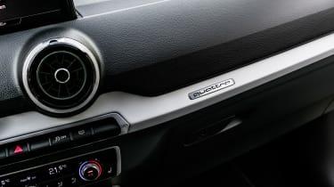 Audi Q2 - press dash