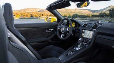 Porsche 718 Boxster GTS – interior