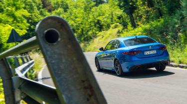 Alfa Romeo Giulia Veloce - rear cornering