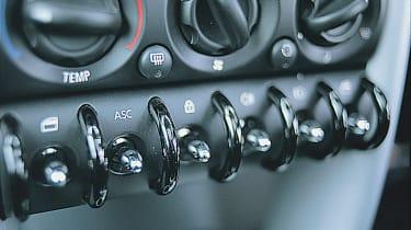 Mini Cooper R50 - centre console