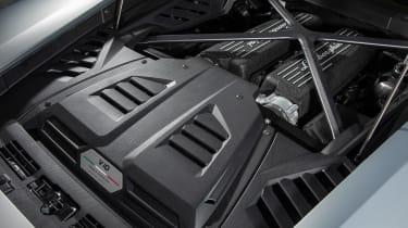 Lamborghini Huracan EVO silver - engine bay