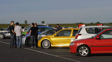 evo dunlop track competition pitlane