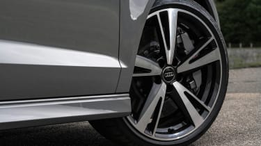Audi RS3 Saloon - front wheel
