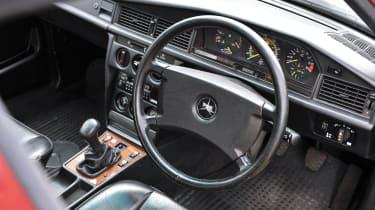 Mercedes-Benz 190E 2.5-16 - Interior