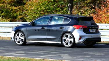Ford Focus ST spy - rear quarter
