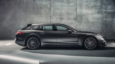 Porsche Panamera Sport Turismo - side