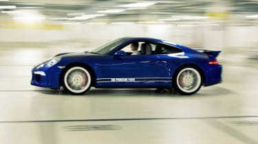 Porsche 911 5M Fans Facebook edition side profile blue