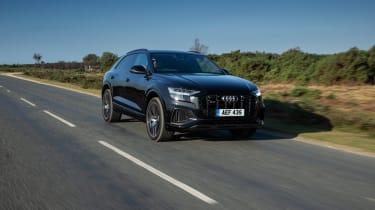 Audi SQ8 TFSI 2021 – front quarter tracking