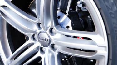 Audi RS6 Avant wheel