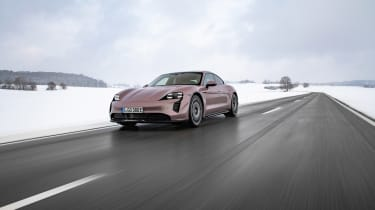 Porsche Taycan rwd - pink tracking front