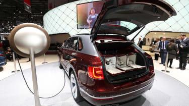 Bentley Bentayga V8 – rear boot open