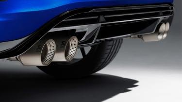 Volkswagen T-Roc R - pipes