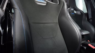 Ford Focus RS Mountune M400 - Seats