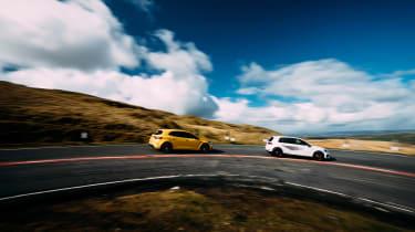 VW GTI TCR vs Megane RS Trophy - cornering