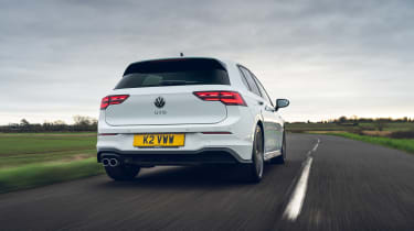 Volkswagen Golf GTD 2021 review - low rear tracking