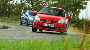 Clio Trophy driving -
