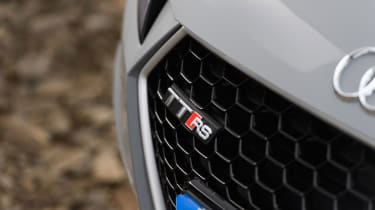 Audi TT RS Roadster – Grille badge