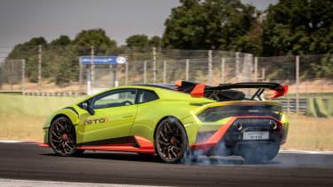 Lamborghini Huracan STO (International) – side action