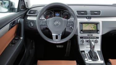 Volkswagen Passat Alltrack interior dashboard