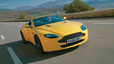 Aston Martin V8 Vantage Roadster | Evo