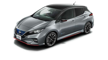 Nissan Leaf Nismo grey with black roof