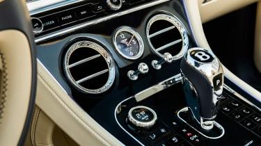 Bentley Continental GT Convertible V8 - dash