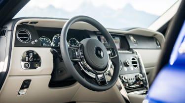 Rolls-Royce Cullinan  steering wheel