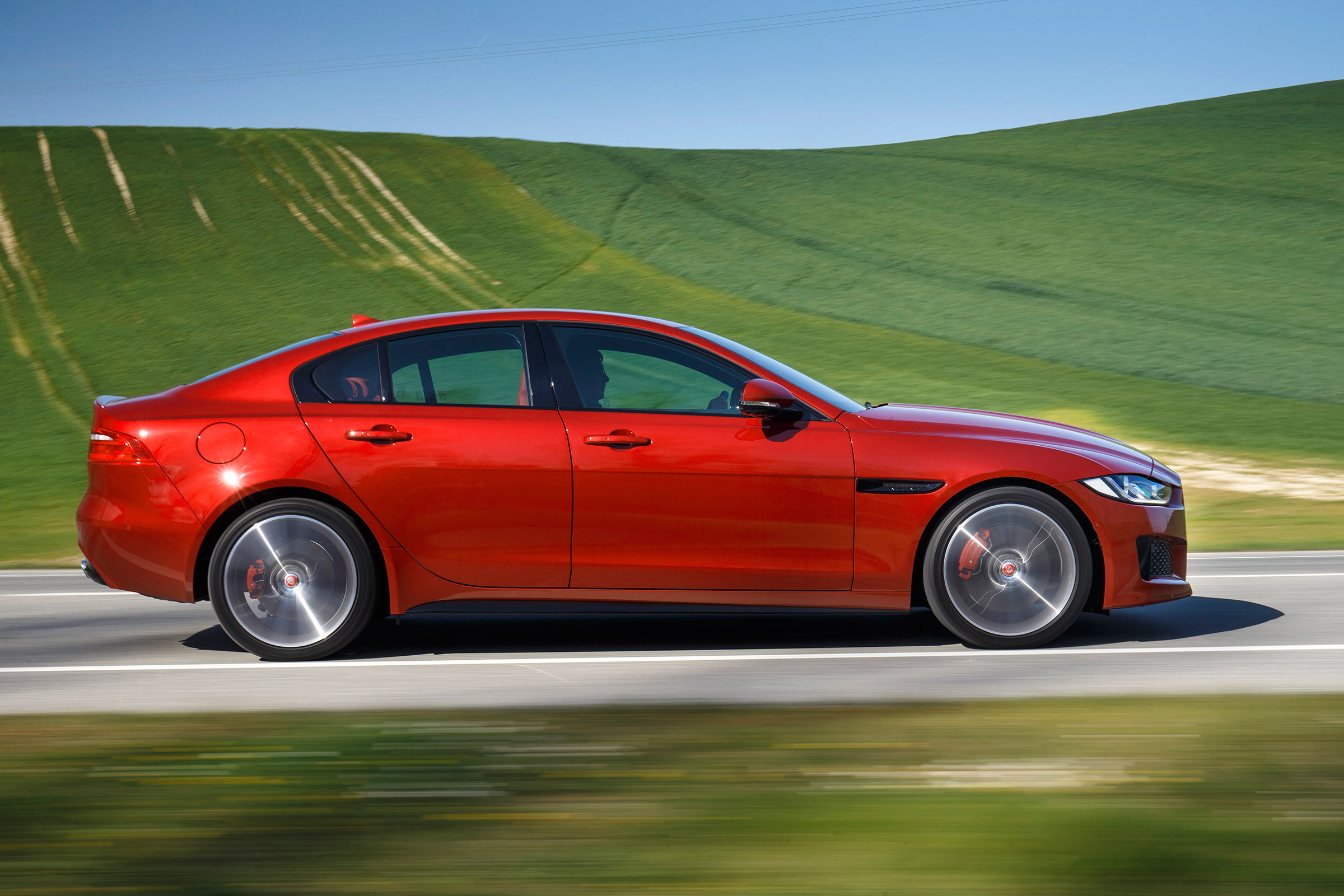 Jaguar updates XE, XF and F-Pace for 2017 | Evo