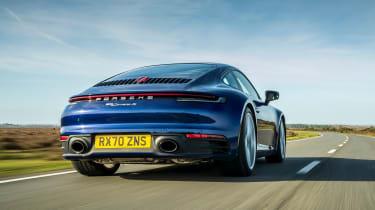 Porsche 911 Carrera S manual follow