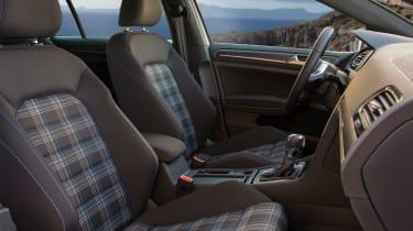2017 Volkswagen Golf GTE - Interior
